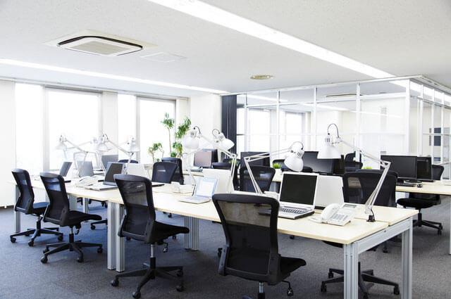オフィスのBGMで仕事効率アップ...